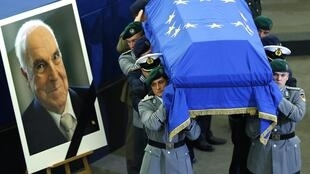 مراسم بزرگداشت و خاکسپاری هلموت کهل در فرانسه شروع شد و در آلمان پایان یافت