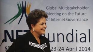 La presidenta brasileña Dilma Rousseff en la NETmundial.