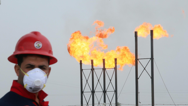 تاسیسات نفتی در بصره واقع در جنوب عراق – ١۵ مارس ٢٠٢٠