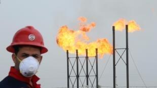 La crise que traverse le secteur pétrolier pourrait aussi mener à plus de pollution, si les États ne renforcent pas leurs législations.