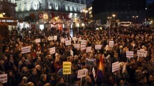 Em fevereiro passado, partidários de Baltasar Garzón saíram nas ruas, em Madri, para protestar contra a condenação do juiz.