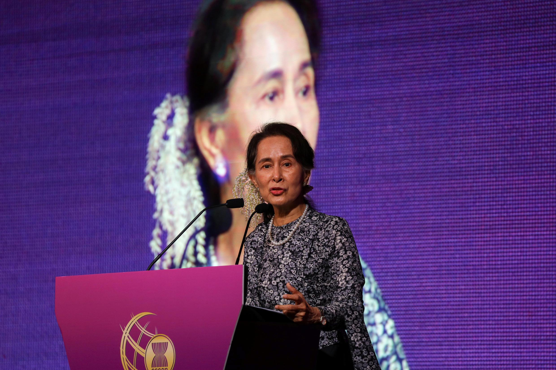 Aung San Suu Kyi au congrès de l'Asean à Singapour qui réunit 20 dirigeants mondiaux dont ceux des 10 pays d'Asie du Sud-Est.