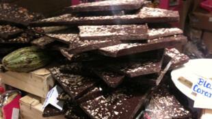 Черный шоколад. Салон Шоколада 2010 в Париже.