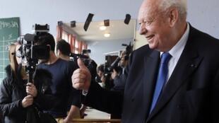 El alcalde UMP de Marsella Jean-Claude Gaudin fue reelegido este 30 de marzo de 2014.