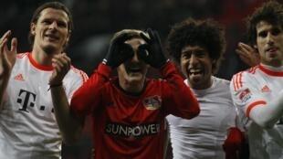 Jogadores do Bayern de Munique comemoram vitória no campeonato alemão.