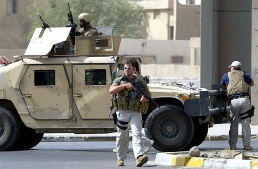 Une équipe de la société privée Blackwater, dans les rues de Bagdad, en 2005.