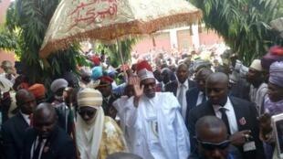 Shugaban Najeriya Muhammadu Buhari tare da Sarkin Kano Muhammadu Sunusi na II a lokacin ziyarar kwanaki biyu a Kano