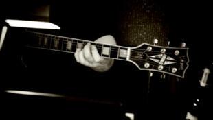 Le texte élaboré par la Commission européenne prévoit que seules des raisons liées à la sécurité puissent être invoquées par les compagnies pour opposer aux musiciens le refus d'embarquer un instrument.