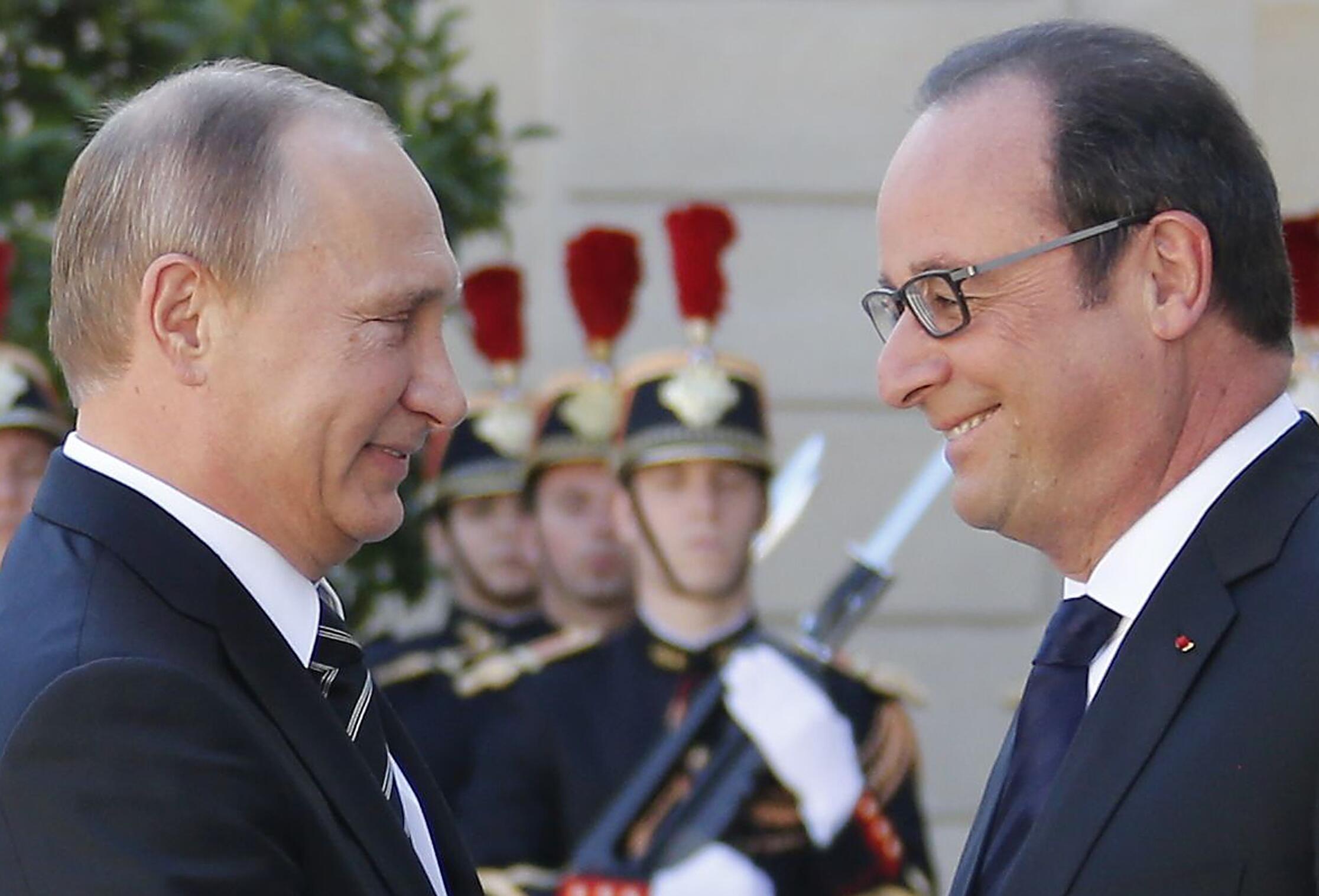 Владимир Путин и Франсуа Олланд перед саммитом «нормандской четверки» по Украине, Париж, 2 октября 2015 г.