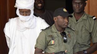 L'ex-président tchadien Hissène Habré devant le tribunal de Dakar, Sénégal, le 3 juin 2015.