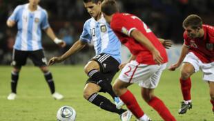 Mundial  Sub-20:   Argentina igualó 0-0 con Inglaterra, en Medellín, el 1 de agosto de 2011.