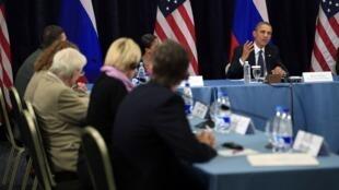 Барак Обама на встече с российскими правозащитниками в Санкт-Петербурге, 6 июня 2013 г