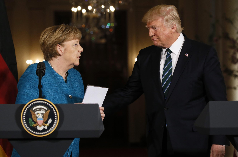 O presidente Donald Trump e a chanceler Angela Merkel em coletiva de imprensa