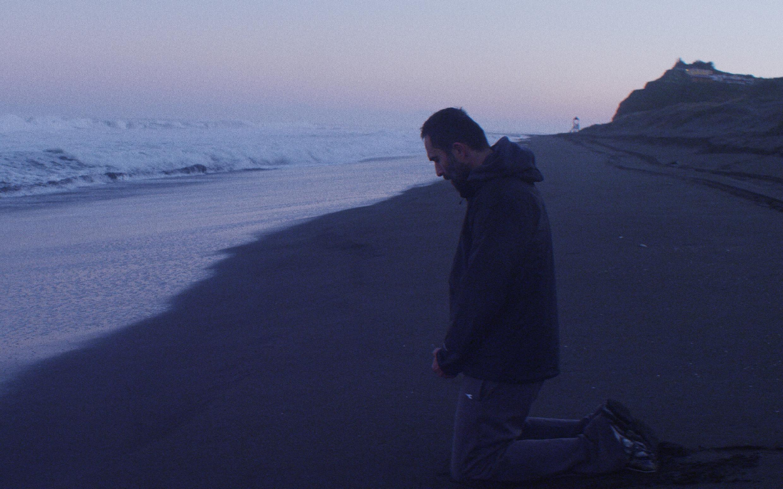 Le père Garcia, interprété par Marcelo Alonso, que l'on retrouve aussi dans «La danza de la realidad» d'Alejandro Jodorowsky..