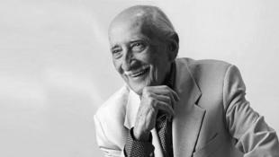 داریوش اسدزاده، بازیگر پیشکسوت تئاتر، سینما و تلویزیون ایران، روز یکشنبه سوم شهریور در ۹۶ سالگی در خانهاش در تهران درگذشت.