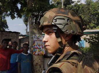 法國士兵在班吉 2013年12月7日