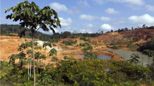 Site minier aurifère de Yaou, à Maripasoula en Guyane française, en 2011.