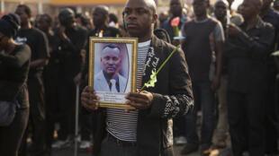 'Yan kasar Burundi suna zanga zangar mutuwar Janar Adolphe Nshimirimana