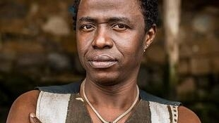 Kimi Djbaté, cantor guineense