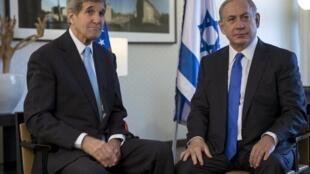 John Kerry se reuniu nesta quinta-feira com Benjamin Netanyahu em Berlim