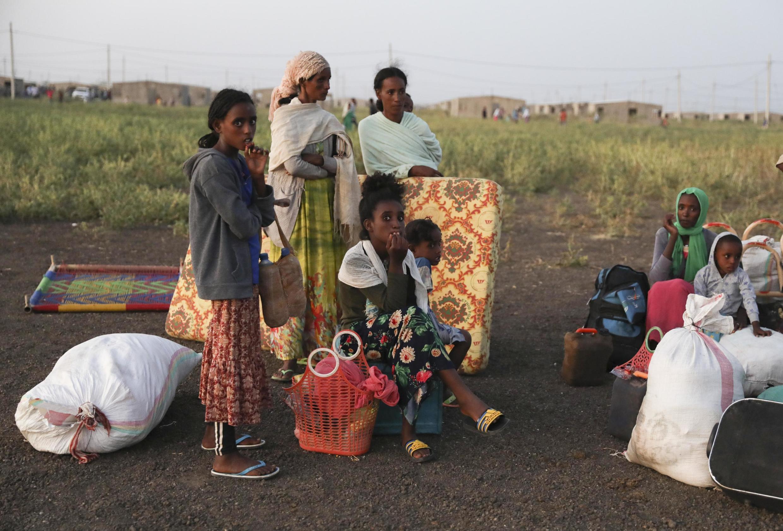 Wakimbizi wa Ethiopia waliokimbilia karika mji wa Qardarif, Sudan.