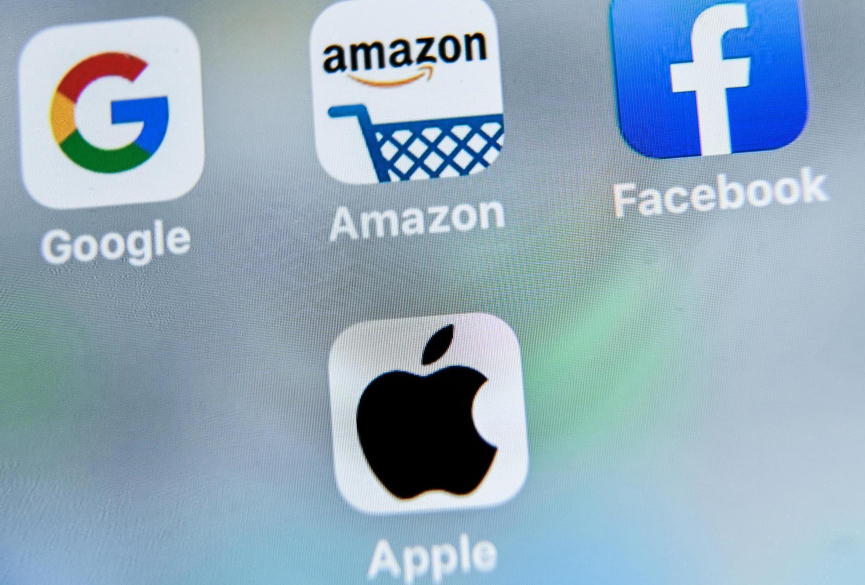 Parmi les entreprises qui devraient faire des bénéfices exceptionnels cette année, on retrouve les quatre grandes compagnies américaines Google, Amazon, Facebook et Apple.