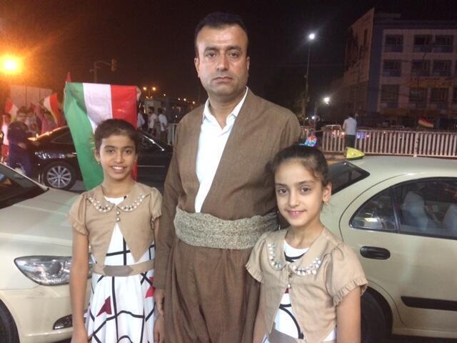 A Erbil, Aref et ses deux petites filles sont venus fêter la future indépendance du Kurdistan.