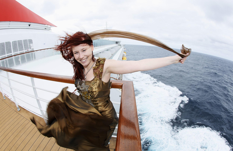 A turista belga Anais Verbraeken participa de cruzeiro que lembra os 100 anos do naufrágio do Titanic.
