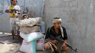 Militantes xiitas huthis em Aden, sul do Iêmen.