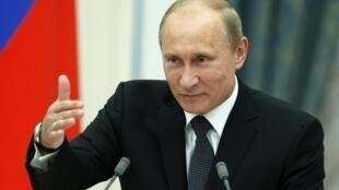 普京8月29日在克里姆林宮與來賓談話