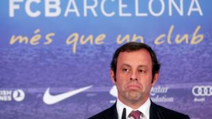 O ex-presidente do FC Barcelona Sandro Rosell foi detido nesta terça-feira, 23 de maio de 2017, pela polícia espanhola.