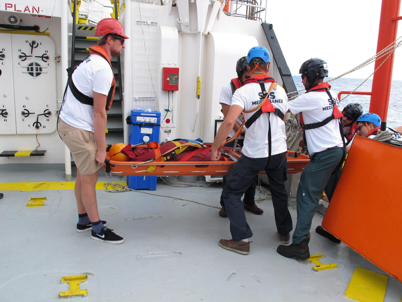 Exercice de sauvetage à bord de l'«Aquarius».
