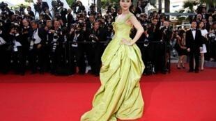 圖為中國影星範冰冰在法國嘎納電影節 2011年5月16日