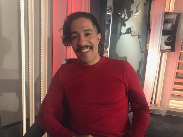 O ex-deputado federal Jean Wyllys nos estúdios da RFI Brasil, em Paris, em 21 de março de 2019.