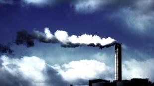 Fumées d'usine, port de Gothenburg (Suède)