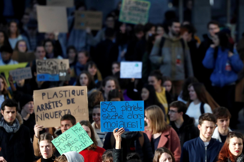 法國南特青年2019年11月29日示威呼籲政府拿措施拯救氣候變暖