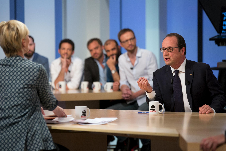 François Hollande no programa de televisão em que criticou Marine Le Pen.