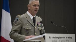 Tướng François Lecointre, tổng tham mưu trưởng quân đội Pháp, trình bày chiến lược quốc phòng mới tại bộ Quốc Phòng Pháp ngày 18/01/2019.