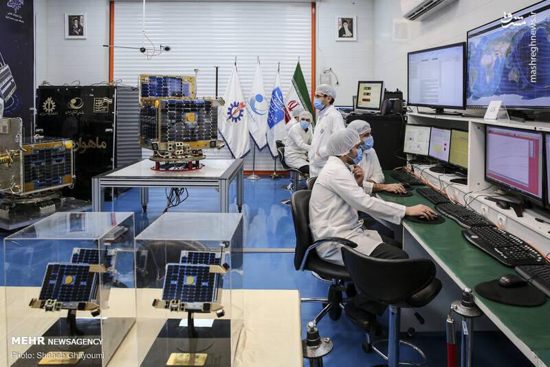 """ماهوارههای """"ظفر ۱"""" و """"ظفر ۲""""، صبح یکشنبه ۲۹ دی/ ۱۹ ژانویه ٢٠٢٠ از سوی دانشگاه علم و صنعت، به سازمان فضایی ایران تحویل داده شد.."""