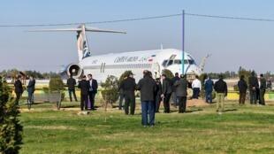 یک فروند هواپیمای مسافربری متعلق به خطوط هوایی کاسپین که، روز دوشنبه هفتم بهمن، از تهران عازم ماهشهر بود، به هنگام فرود از باند فرودگاه خارج شد.