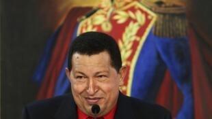 O presidente Hugo Chávez rejeitou a acusação do governo colombiano e ameaçou romper relações com Bogotá