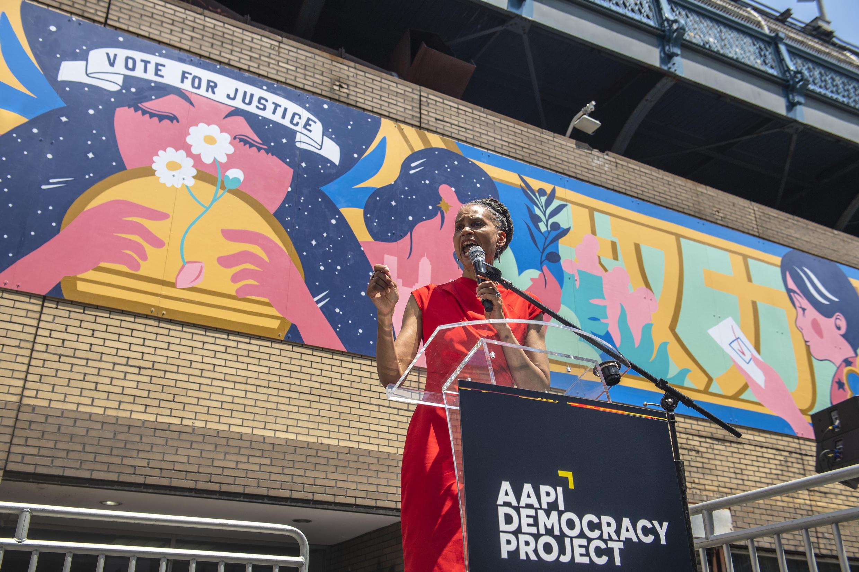 Maya Wiley (foto) é uma das favoritas a vencer as primárias do Partido Democrata em Nova York, junto com Eric Adams e Kathryn Garcia.