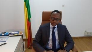 Le procureur de Cotonou, Mario Metonou, dans son bureau du tribunal, en février 2020.