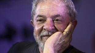 A judge ordered the liberation of former Brazilian president Luiz Inacio Lula da Silva, a wildly popular leftist who has been imprisoned on corruption charges since April, but another judge overturned the order