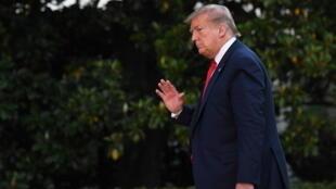 El presidente de Estados Unidos, Donald Trump, a su regreso a la Casa Blanca, en Washington, el 30 de mayo de 2020, luego de su viaje a Florida