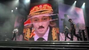 """Фрагмент ролика песни Мадонны """"Никто меня не знает"""""""