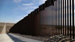 Hàng rào biên giới Mỹ-Mêhicô tại Santa Teresa, New Mexico, Hoa Kỳ, 05/03/2019.