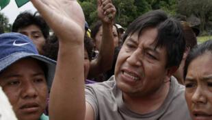 Bolivia:  el canciller David Choquehuanca fue retenido por la fuerza durante dos horas el sábado 24 de septiembre. Choquehuanca había llegado al lugar para parlamentar y buscar una solución  al conflicto que llevaba más de un mes.