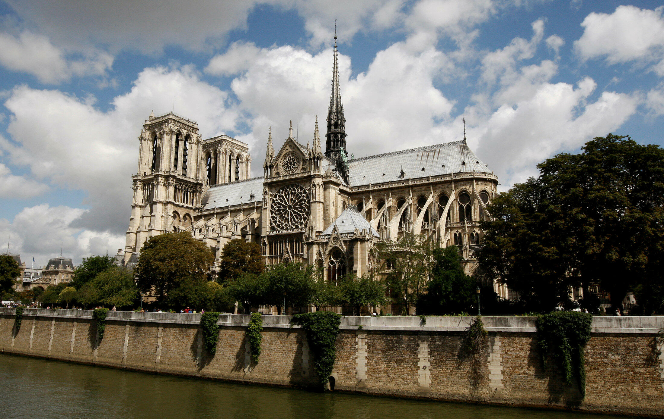 La catedral Notre Dame de París en 2009.