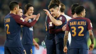 Jogadores do PSG celebram vitória de 3 a 0 sobre o Mônaco na final da Copa da Liga. 31/04/18.